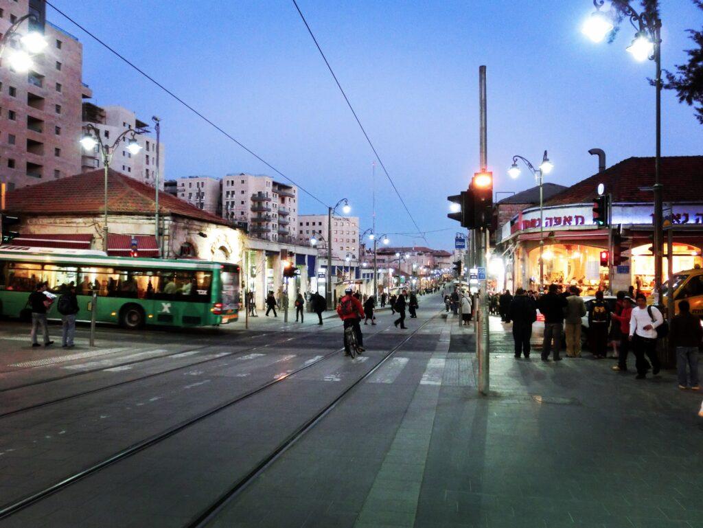 エルサレム新市街。旧市街とは異なり近代的な街並み。