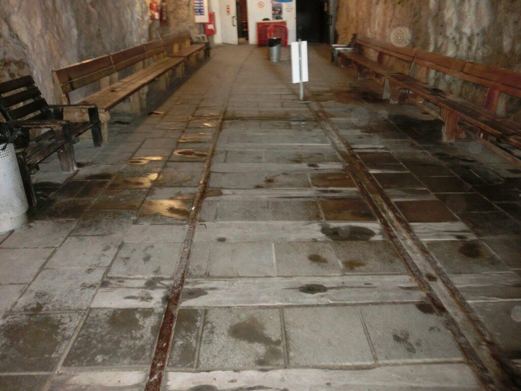 ローシュ・ハニクラの鉄道跡。エジプトからトルコまで続いていた線路もイスラエル建国時に断絶。