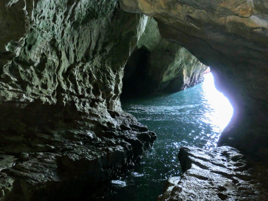 レバノン国境付近ローシュ・ハニクラ洞窟
