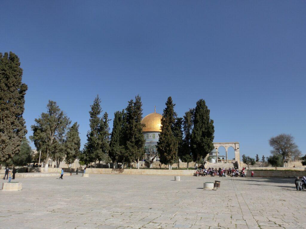 神殿の丘から見た「岩のドーム」