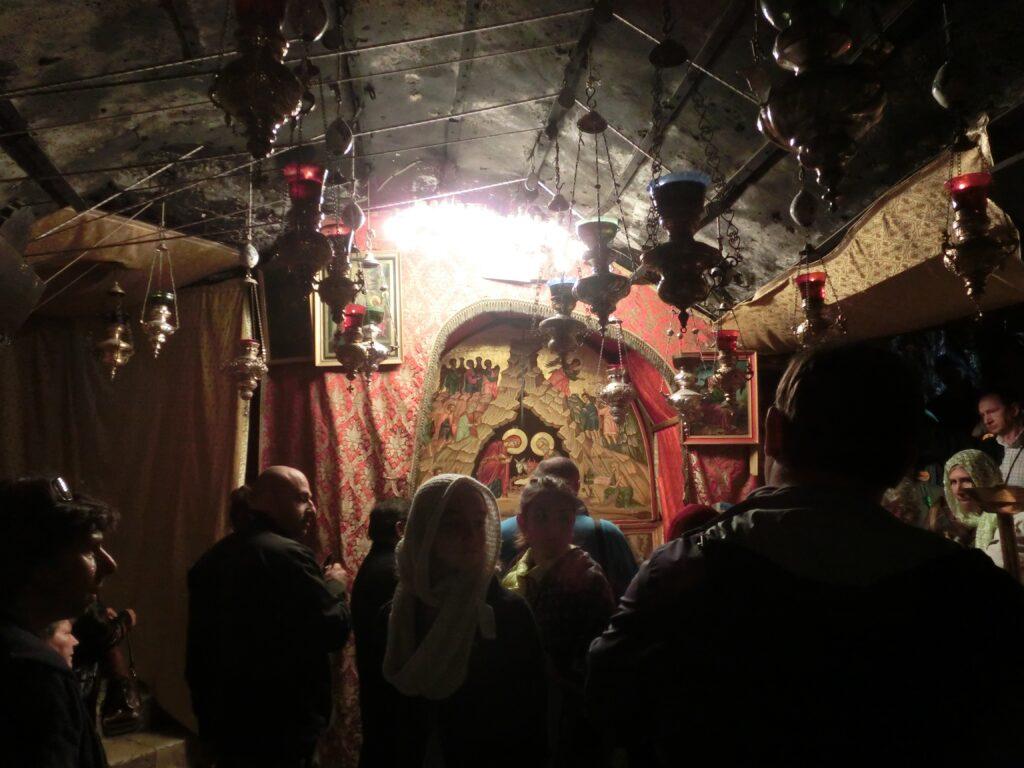 聖誕教会の地下洞窟の祭壇。