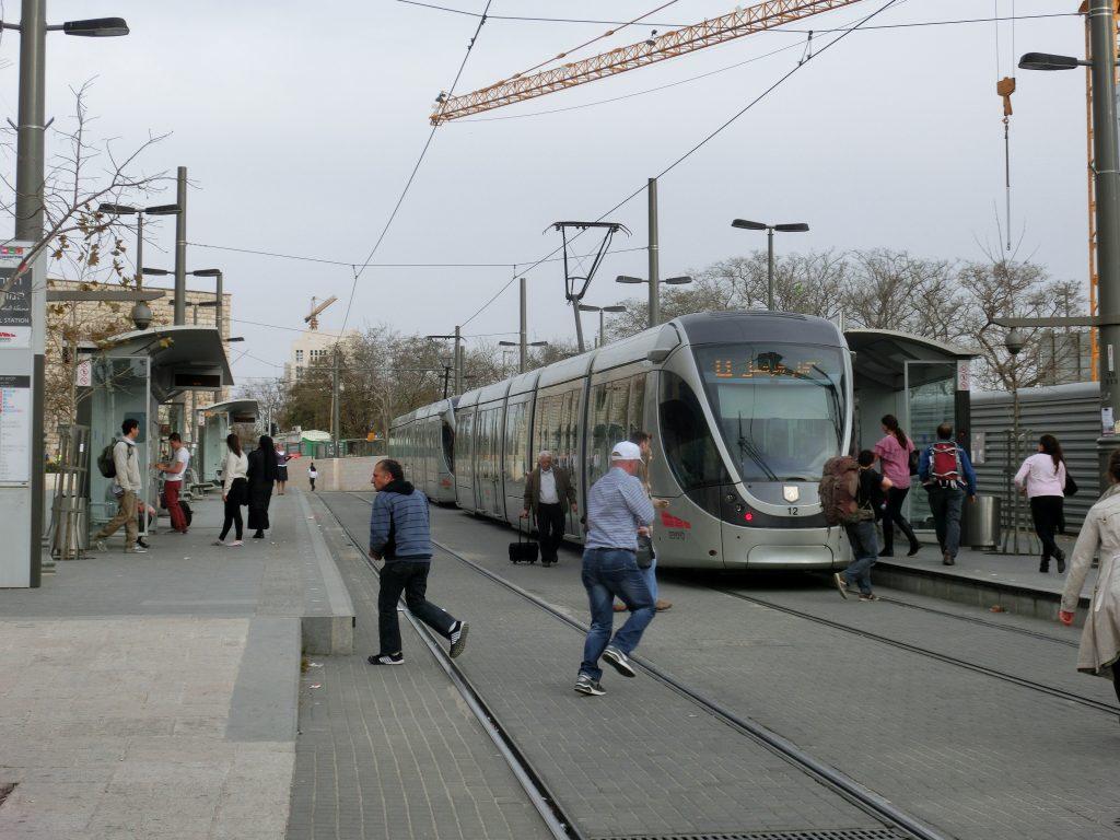 エルサレムのセントラルステーションのLRT最寄り駅